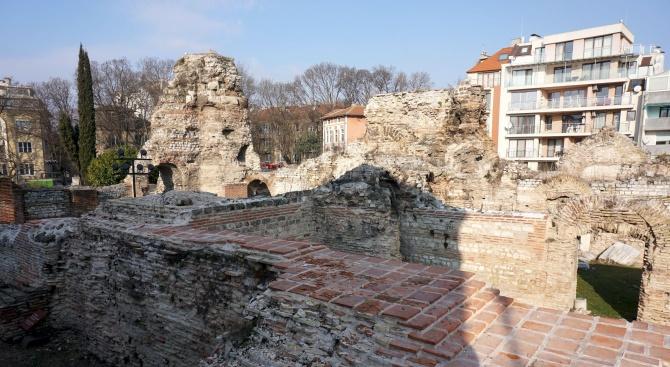 Експертна комисия ще извърши проверка на срутила се част от Римските терми в Кюстендил