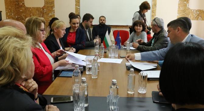 Деница Златева: Изключително важно е да развиваме българската икономика