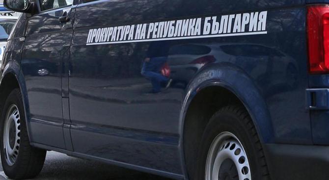 """Дъщерята на шеф във """"Винпром Карнобат"""" арестувана при днешната спецакция"""