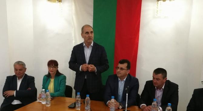 Цветанов: Лесно е да атакуваме нашите политически опоненти, но ние предпочитаме да покажем на хората постигнатото
