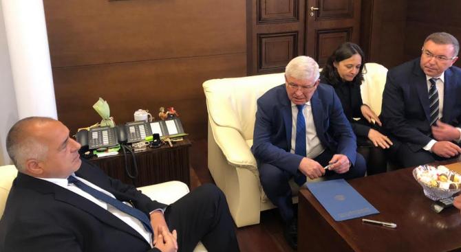 След срещата при Борисов: Отпускат повече пари за лечение на деца и бременни