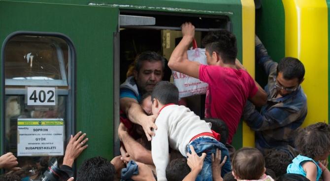 ООН: Унгария мори имигранти с глад
