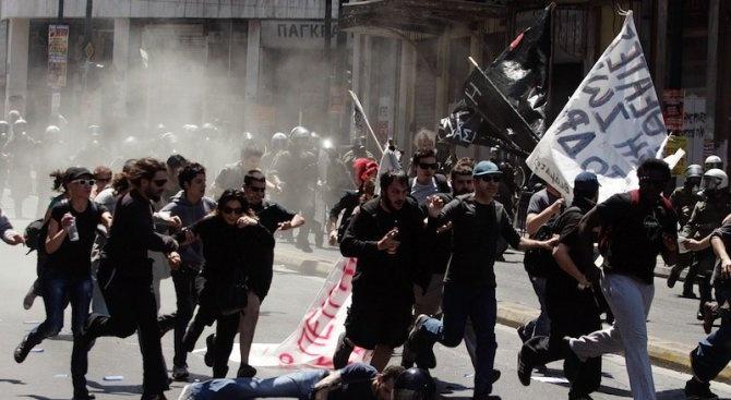 """Гръцката полиция арестува лидер на анархистката група """"Рубикон"""""""