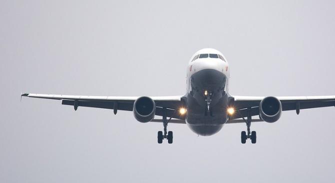 Самолетът на гръцкия президент кацна принудително на остров Крит