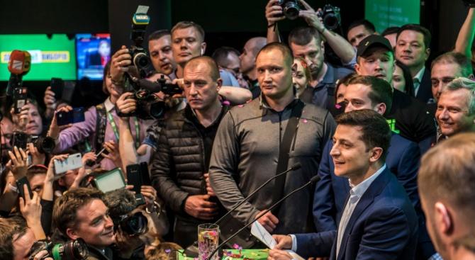 Зеленски смята за свой приоритет  не борбата с корупцията,  а победата над нея
