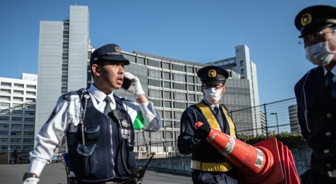 Кола блъсна група деца от ясла в Япония и уби две от тях