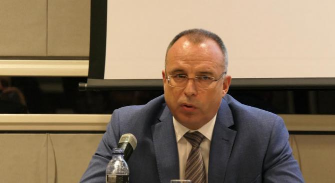 Разпитват земеделския министър Румен Порожанов