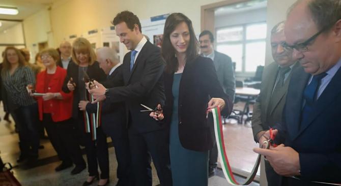 Мария Габриел откри научно-индустриална лаборатория за цифрова интеграция наука-бизнес-образование