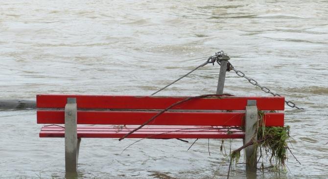 Червен код за опасност от наводнения обявиха в Северна Румъния