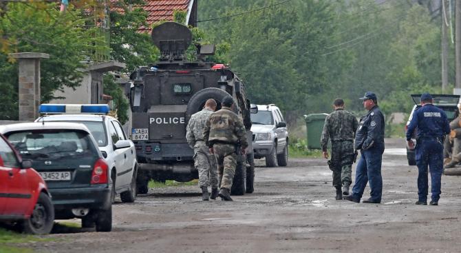 Стана ясно какво е оръжието, което полицията откри край Костенец