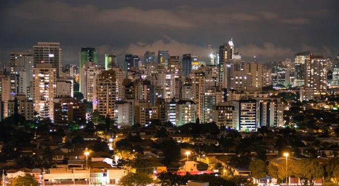 Единадесет души са убити при стрелба в бар в Бразилия