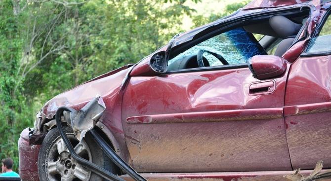 19-годишен загина след удар в дървета на пътя Русе-Разград