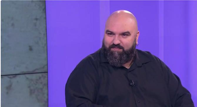 Венци Мицов: Истерични крясъци на посредствеността срещу Ален Делон и маестро В. Гергиев