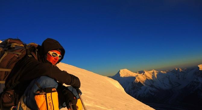 Погребват загиналия алпнинист Иван Томов под връх Лхотце