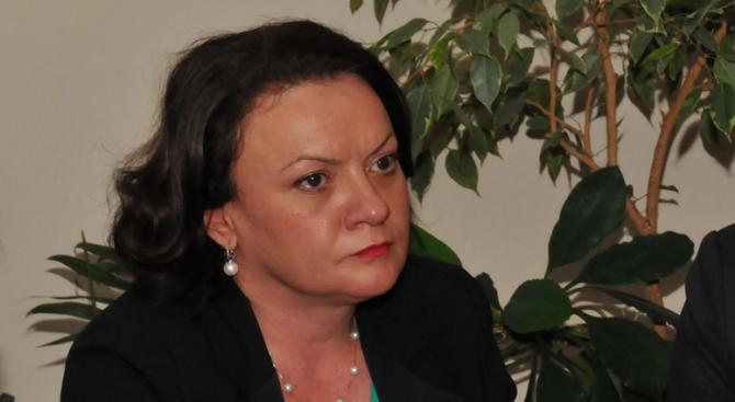 Кандидатът за евродепутат от ГЕРБ Ивелина Василева ще се срещне с  жители на Карнобат