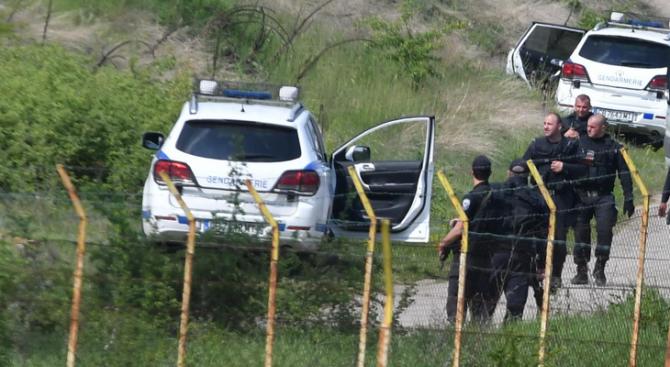 Задържаха група афганистанци в землището на село Пролеша