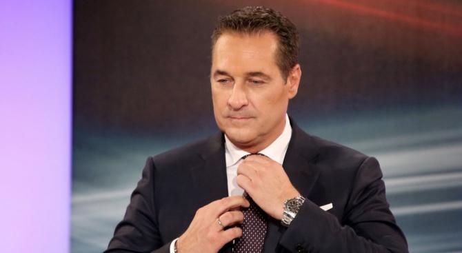 Скандалът в Австрия: Щрахе иска да докаже невинността си