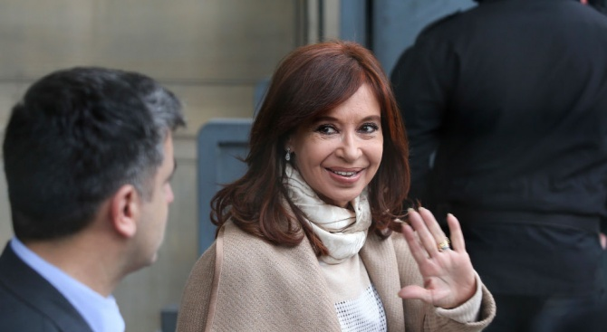 Бившата президентка на Аржентина Кристина Киршнер е на съд по обвинения в корупция