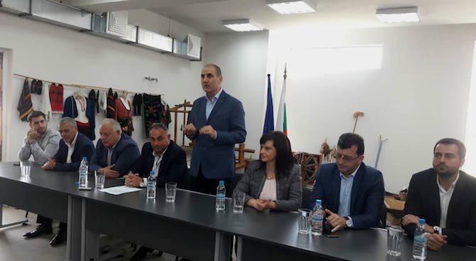 Цветан Цветанов в Доспат: Когато държавата е стабилна, може да помогне на всички общини