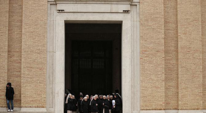 Обезглавиха възрастна монахиня в Африка