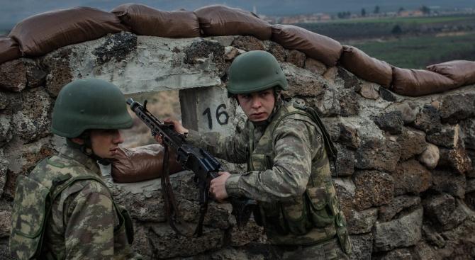 Турция намалява казармата наполовина