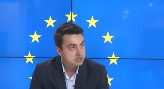 Момчил Неков: Не вярвам, че Корнелия Нинова ще избяга от отговорност, ако БСП загуби европейските избори