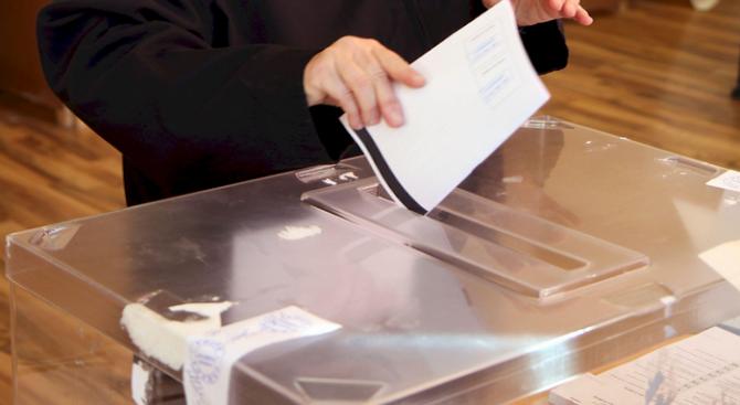 Изборният ден в област Русе започна нормално