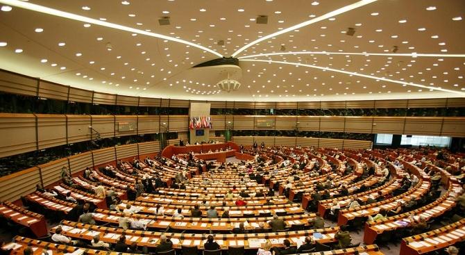 ЕНП, социалистите, Зелените и либералите с готовност за преговори за широка коалиция в ЕП