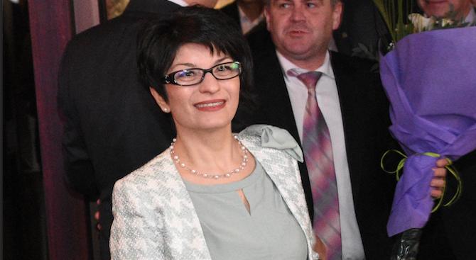 Десислава Атанасова: ГЕРБ печели и в родното село на Румен Радев