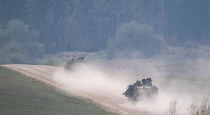 """САЩ потвърдиха оръжейните доставкиза Украйна и заявиха, че Русия """"трябва да спре войната"""""""