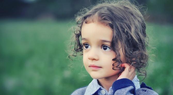 Социалните търсят дом за здраво дете, изоставено от психичноболна майка