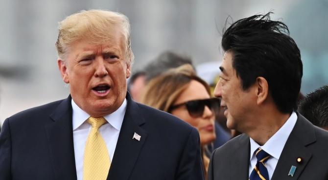 """Белият дом е искал Тръмп да не вижда кораба """"Джон С. Маккейн"""" по време на посещението си в Япония"""