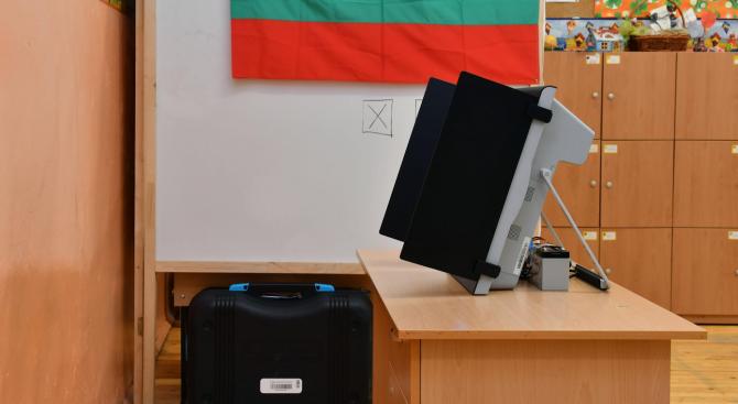 Стефан Манов: Безспорно машинното гласуване на тези избори беше успех