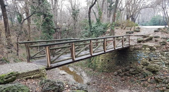 Разрушен е мостът при Дряновския манастир след проливните дъждове