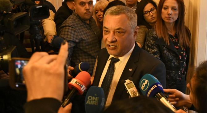"""Валери Симеонов за напрежението при ОП: """"Атака"""" и ВМРО да си решават сами проблемите, няма да се намесвам"""
