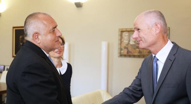 Борисовсе срещна с холандския външен министър