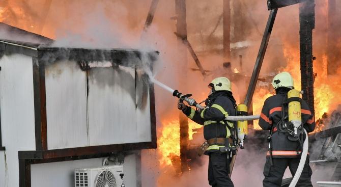 """Невменяема жена подпали апартамента си в ж.к. """"Дианабад"""""""
