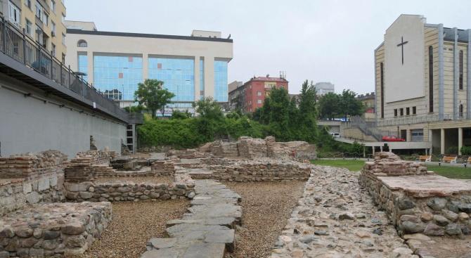 20 машини ще запознават туристите с културни и исторически забележителности от София и областта