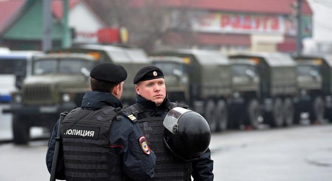 Закопчаха известен разследващ журналист в Русия по подозрение за притежание на наркотици