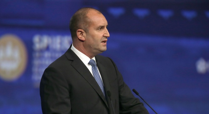 Радев: Не приемам, че България няма суверенитет