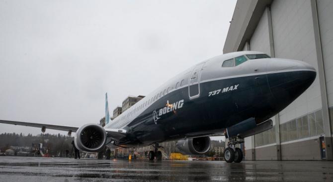 """""""Боинг"""" отложил за три години коригирането на дефект на самолетите 737 МАКС"""