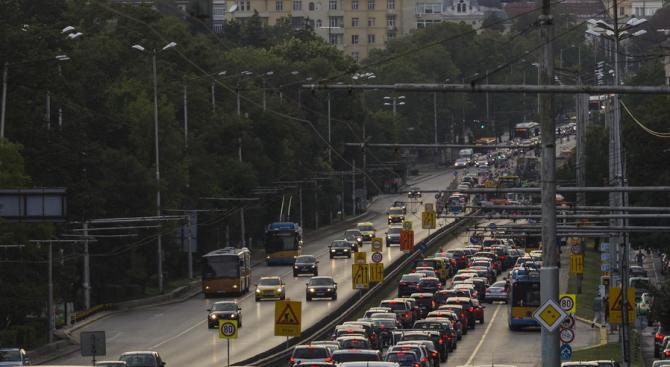 Камерите на Центъра за управления на трафика в София засекли над 1000 нарушители, шофирали в бус лентите