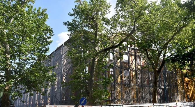 Тютюневите складове в Пловдив тънат в пълна разруха