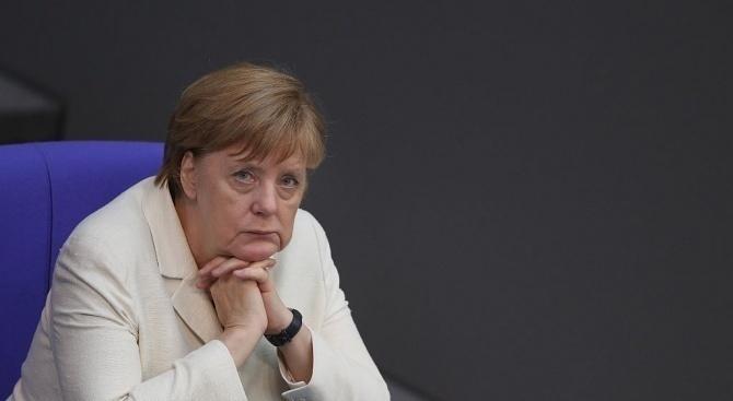 Кабинетът на Меркел не даде подробности за срещата със Заев