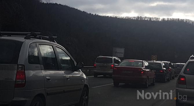 Очаква се засилен трафик по пътищата на страната