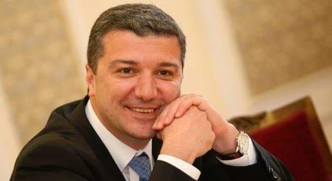 Драгомир Стойнев: ГЕРБ и ДПС изнасилват крехката ни демокрация