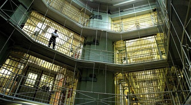 Затвор за французойка, убила пет от новородените си деца