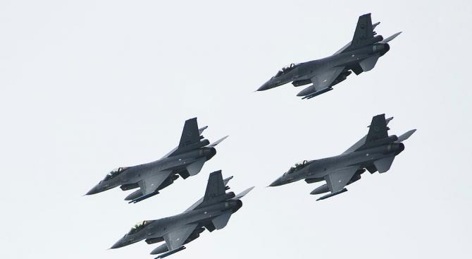 МФ емитира извънредно нов вътрешен дълг от 300 млн. лв. за покупката на F-16