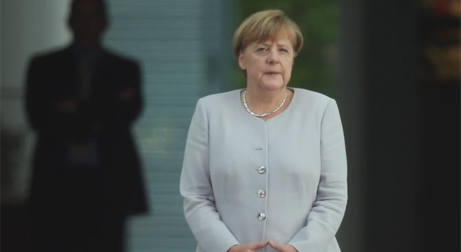 Меркел: Държавата трябва да се бори с десния екстремизъм