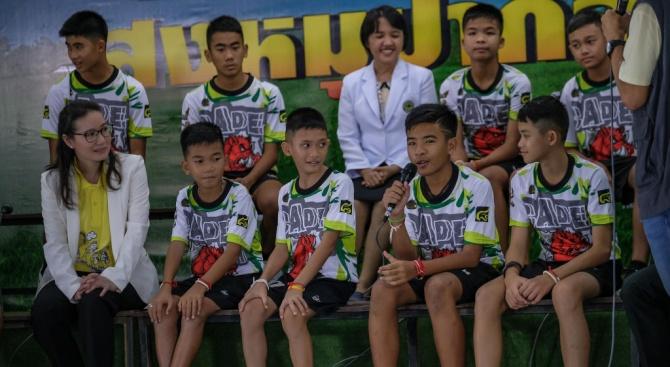 Тайландските момчета отбелязаха година от премеждието си в пещерата